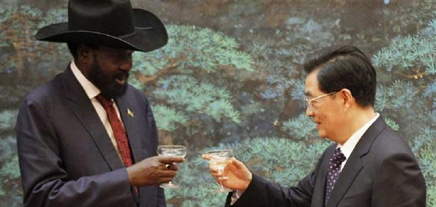 South Sudan President Salva Kiir Mayardit (left) and Chinese Prime Minister Hu Jintao (right) meeting in China in 2016 [Photo via Reuters]