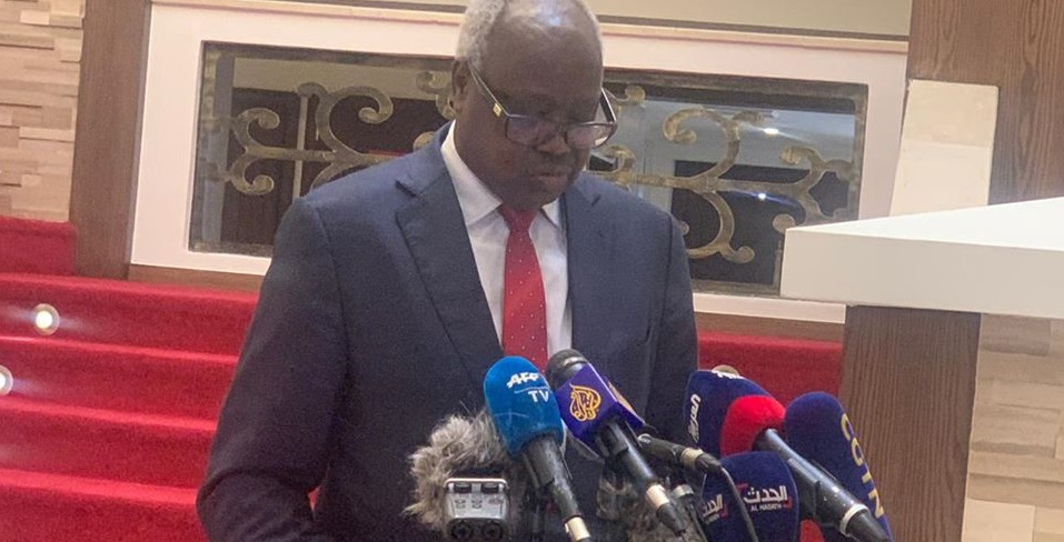 South Sudan minister for presidential affairs Nhial Deng Nhial speaking to the press in June 2020 at the Presidency [Photo by presidency]