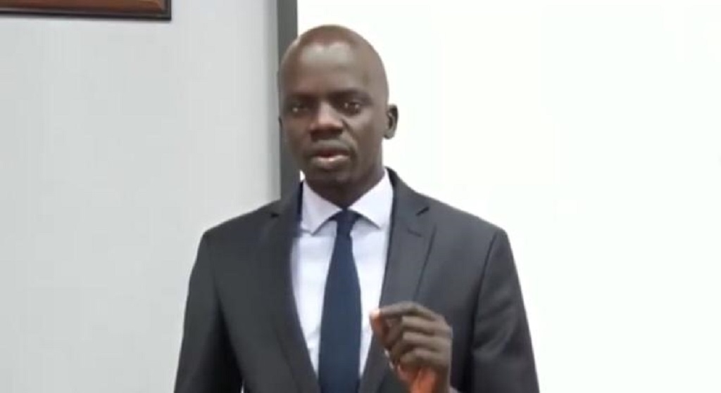South Sudan petroleum minister Puot Kang Chuol addressing journalists following a meeting of the Economic Crisis Management Committee (ECMC) in Juba on Tuesday [Photo by SSBC]