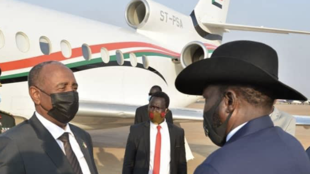 President Salva Kiir Mayardit(right) welcoming head of Sudan sovereign council Abdelfattah al Burhan at Juba airport [Photo by Presidency]