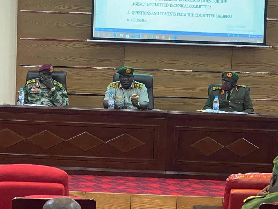 South Sudan army chief (center) sharing meeting of the JDB on Wednesday, March 31, 2021. [Photo via JDB]