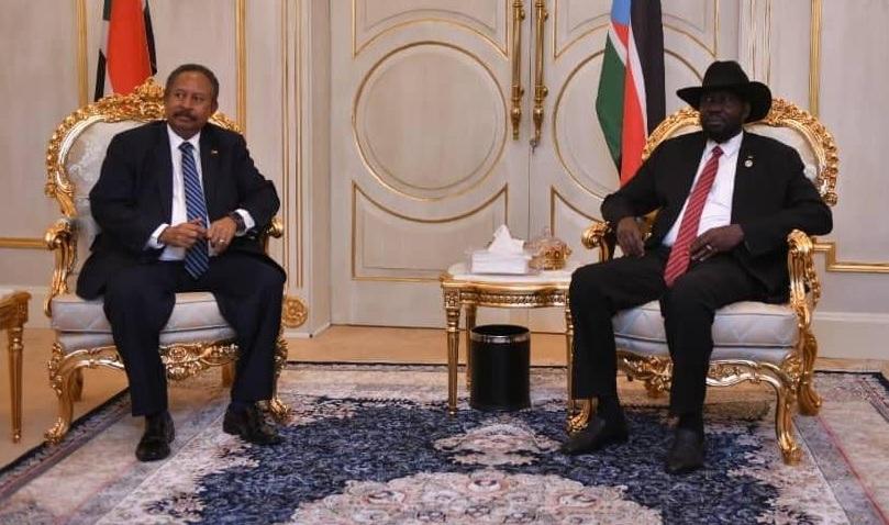 President Salva Kiir Mayardit (right) meeting Sudanese Prime Minister Abdalla Hamdok [Photo via SUNA]