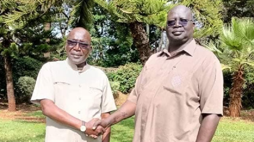 General Stephen Buay Rolnyang (right) posting with Malong following a meeting today in Nairobi [Photo courtesy]